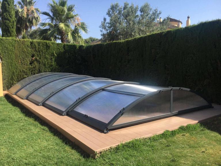 Cubierta Teide: Piscinas cubiertas con cerramiento bajo y telescópico en Sevilla exterior