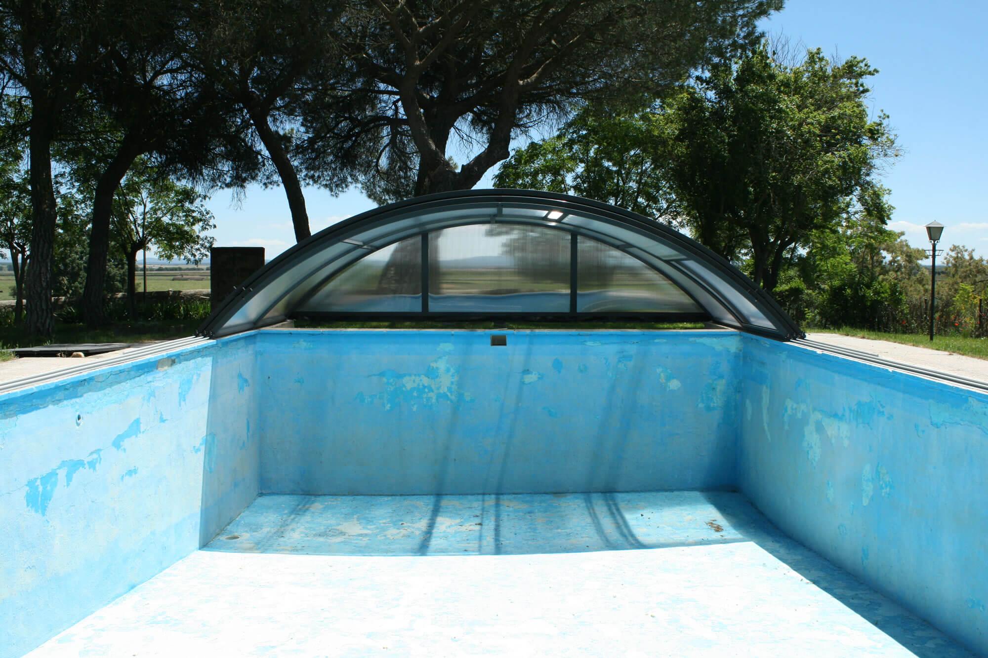 Cubierta Teide Plus con carriles: Cubierta baja y telescópica con railes en Valladolid abierta
