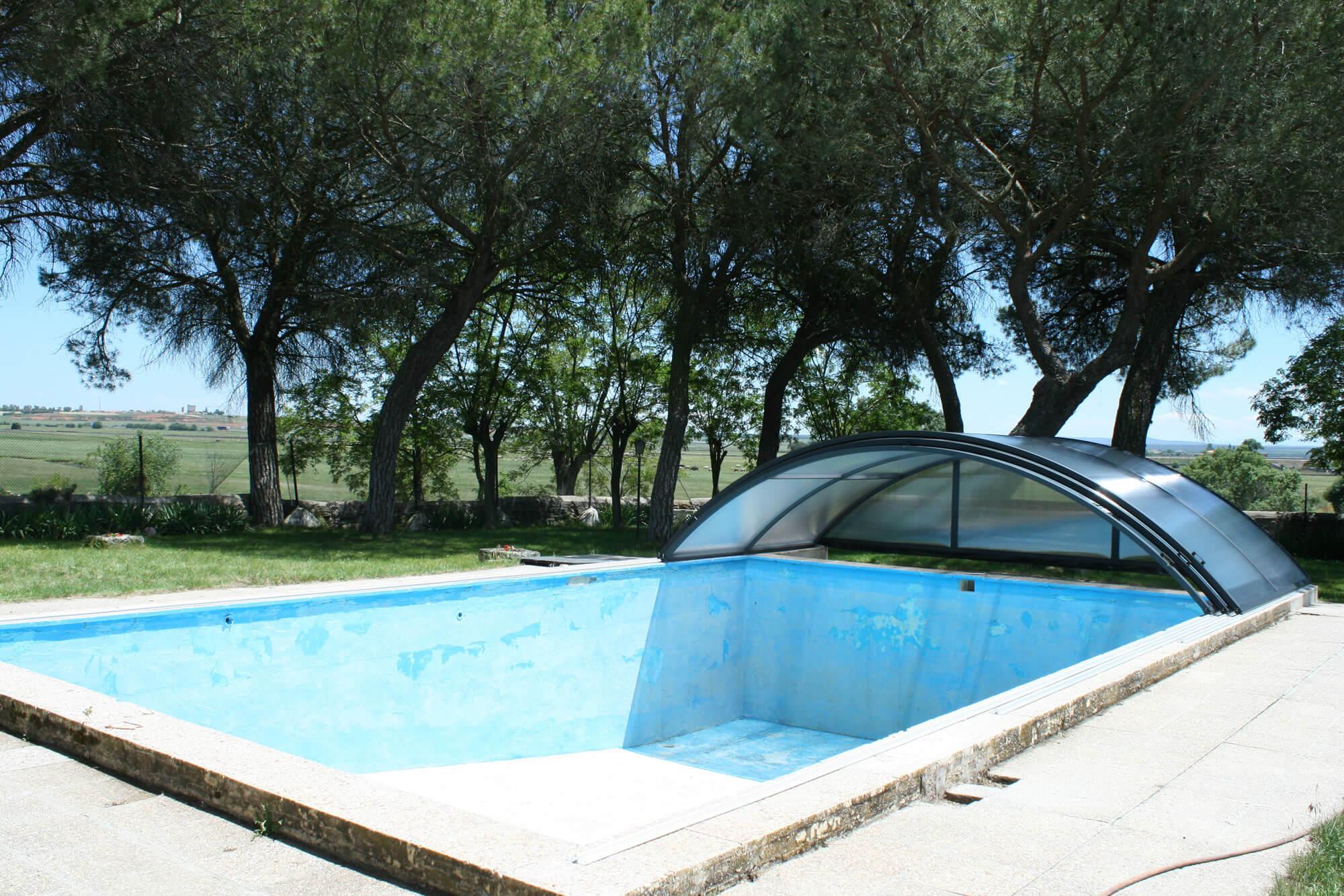 Cubierta Teide Plus con carriles: Cubierta baja y telescópica con railes en Valladolid exterior