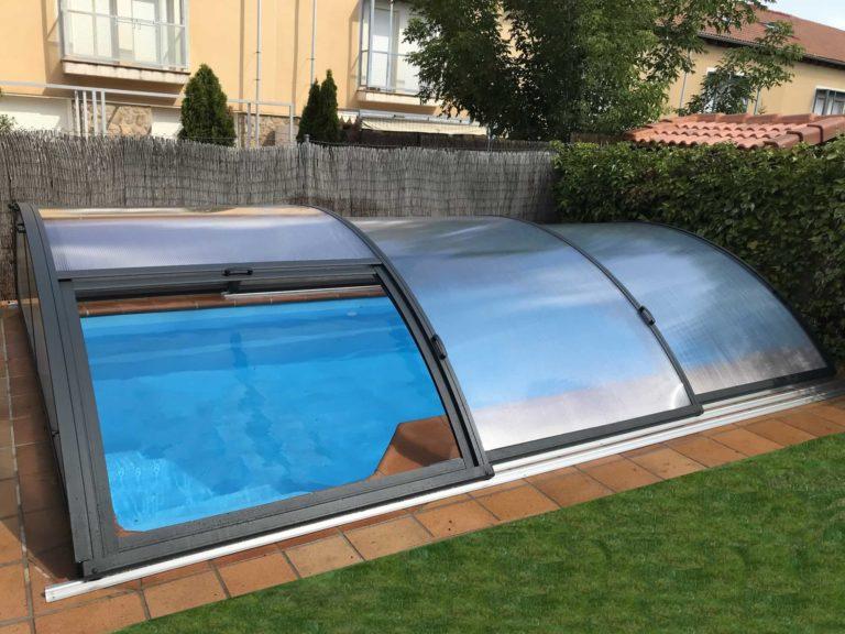 Cubierta Teide con carriles: Cerramientos de policarbonato alto y fijo para piscina en Segovia