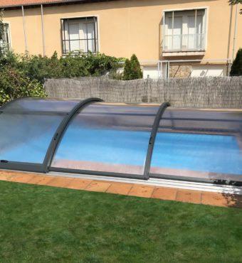 Cubierta Teide con carriles: Cerramientos de policarbonato alto y fijo para piscina en Segovia exterior