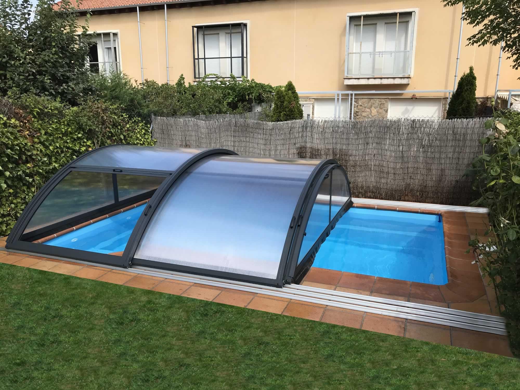 Cubierta Teide con carriles: Cerramientos de policarbonato alto y fijo para piscina en Segovia semiabierta