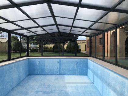 Cubierta Vulcano: Cerramiento policarbonato alto y fijo para piscina en León