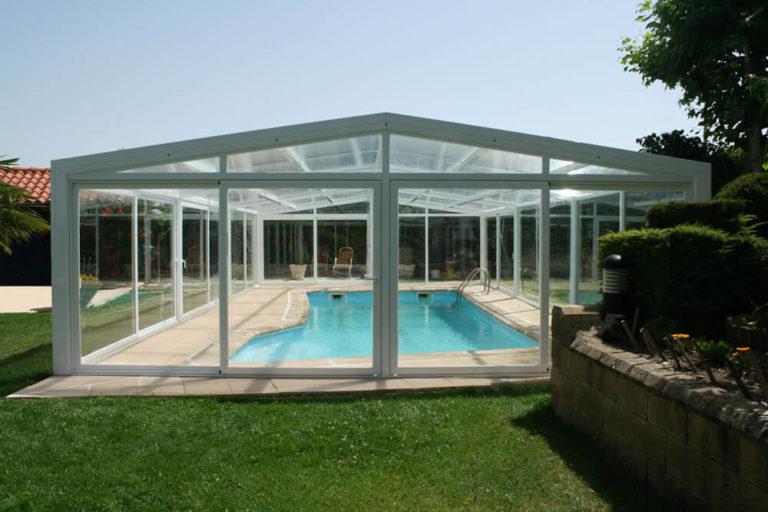 Cubierta Vulcano: Cerramientos policarbonato alto y fijo para piscina en Burgos