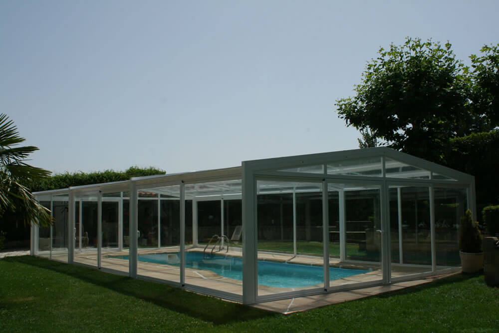 Cubierta Vulcano: Cerramientos policarbonato alto y fijo para piscina en Burgos exterior