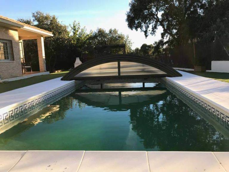 Cubierta de piscina baja en Madrid