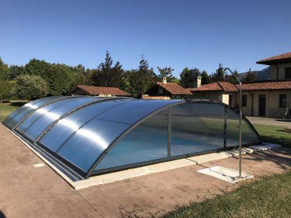 Instalación de Cubierta Teide Plus para piscina en Vitoria Exterior