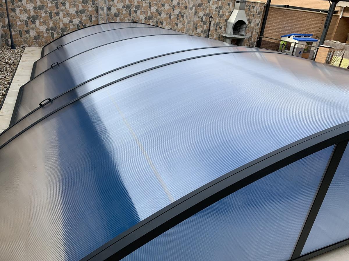 Instalación de cubierta baja para piscina en Santander exterior