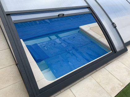 Instalación de cubierta baja para piscina en Santander interior