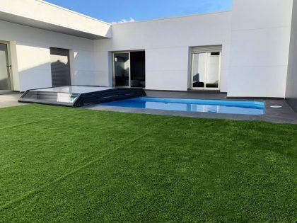 Cubierta Santorini para piscina baja y telescópica en Madrid abierta