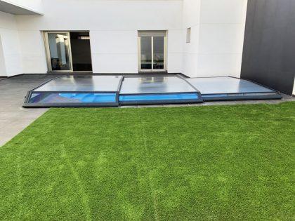 Cubierta Santorini para piscina baja y telescópica en Madrid cerrada lateral