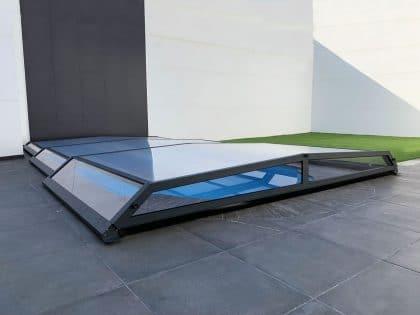 Cubierta Santorini para piscina baja y telescópica en Madrid cerrada