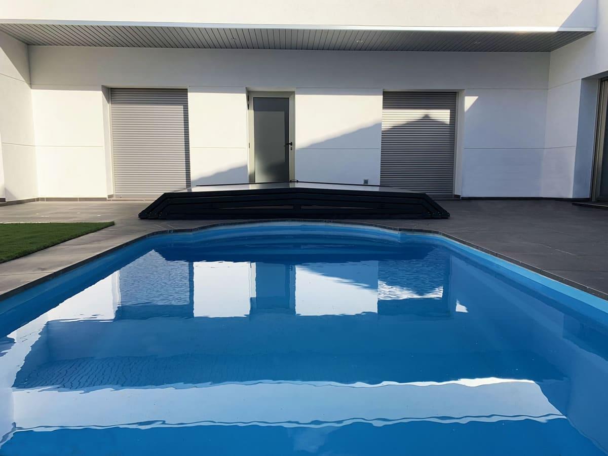 Cubierta Santorini para piscina baja y telescópica en Madrid